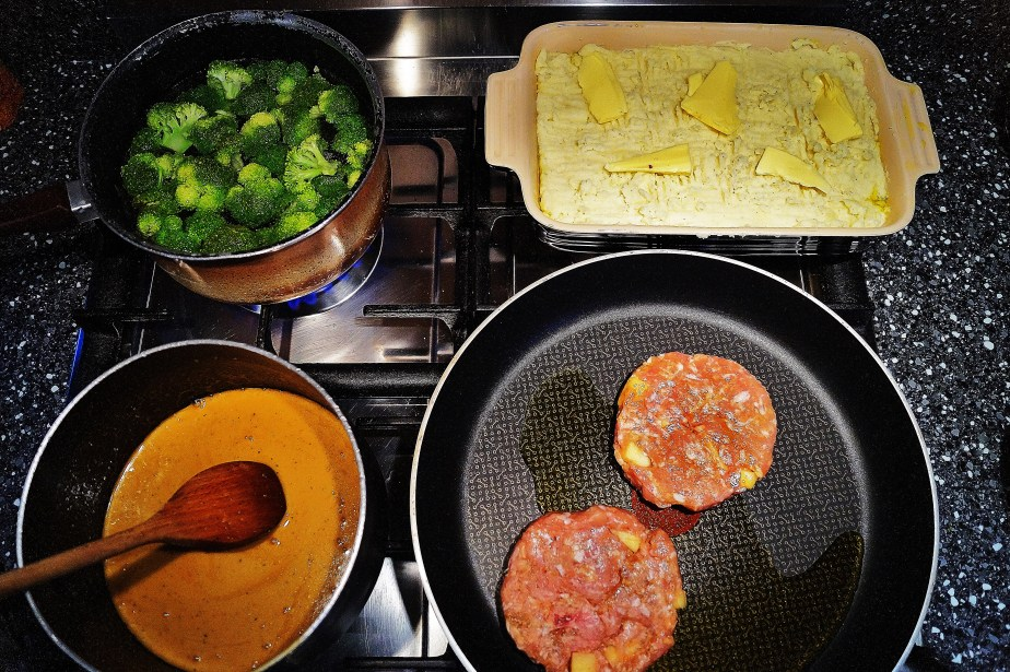 Burgers ready to fry, mash ready for the oven, sauce is made, broccoli for a bit of green.