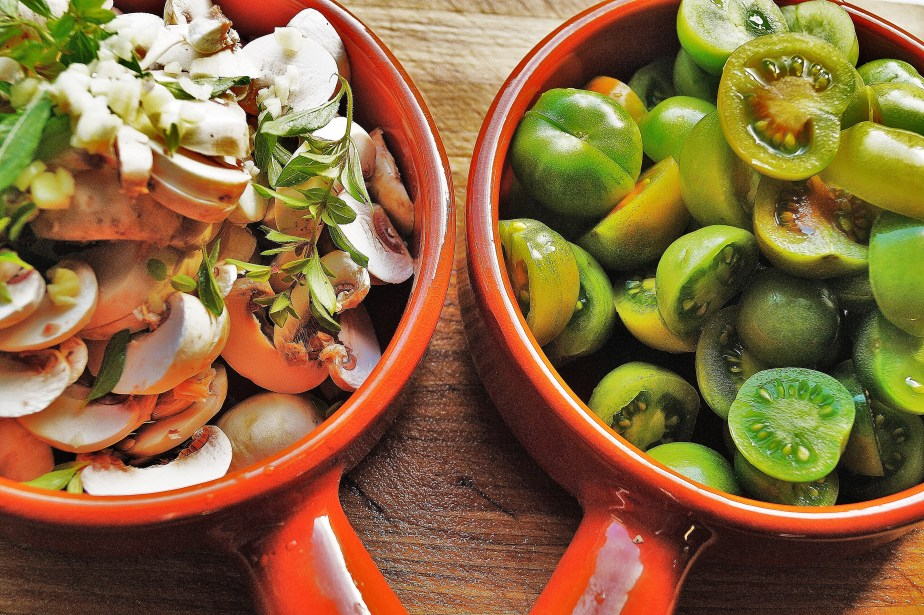 Mushrooms'n' Green Cheery Tomatoes