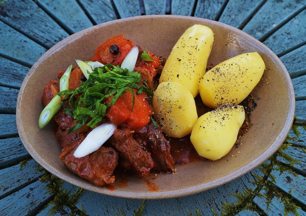 Marie Lou's Beef Marengo ( revisited by Hungry Breton)
